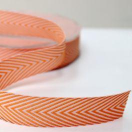 ruban chevron orange et banc