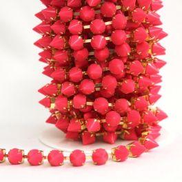 Strap with fuschia metallic nails