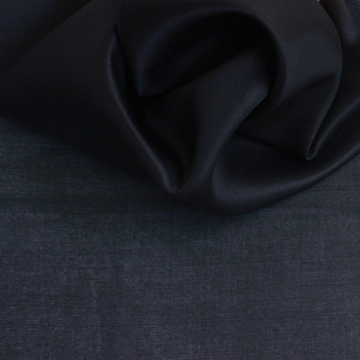 Organza satin de soie noir