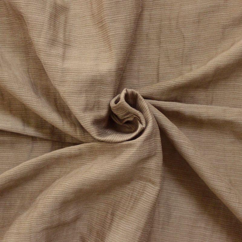 tissu soyeux rayures en mati res m lang es gris acier. Black Bedroom Furniture Sets. Home Design Ideas