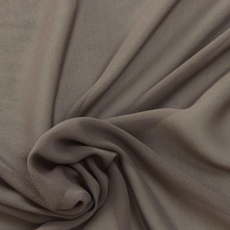 Crêpe zijde met maasmotief bruin wit zwart