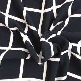 tissu l ger en cr pe imprim rose corail. Black Bedroom Furniture Sets. Home Design Ideas