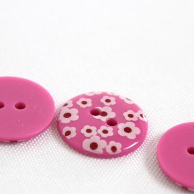 Roze polyester knoop met witte bloem van 1,8 cm