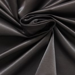 Crêpestof van satijn gechineerd zwart