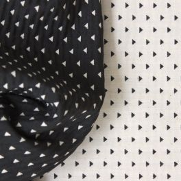 Tissu jacquard reversible triangles