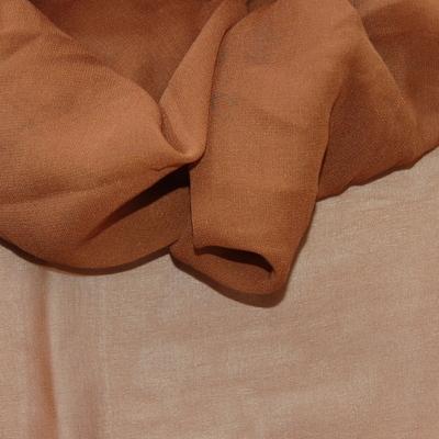 Bruine crêpe zijde