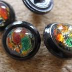 Bouton vintage en résine multicolore
