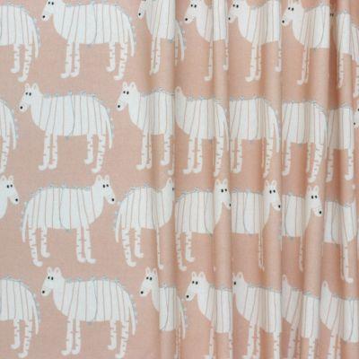 Tissu d'ameublement imprimé Chupa cabra sur fond rose