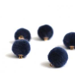 Bouton en fourrure bleu
