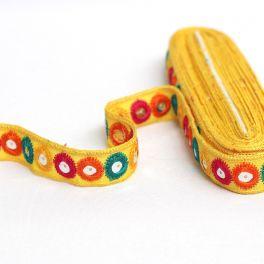 Galon fantaisie jaune à  miroirs multicolores
