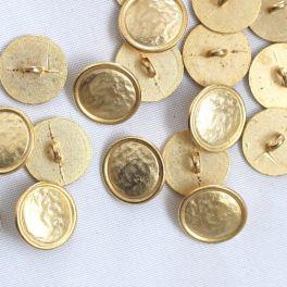 Bouton vintage en aspect or frappé 15mm
