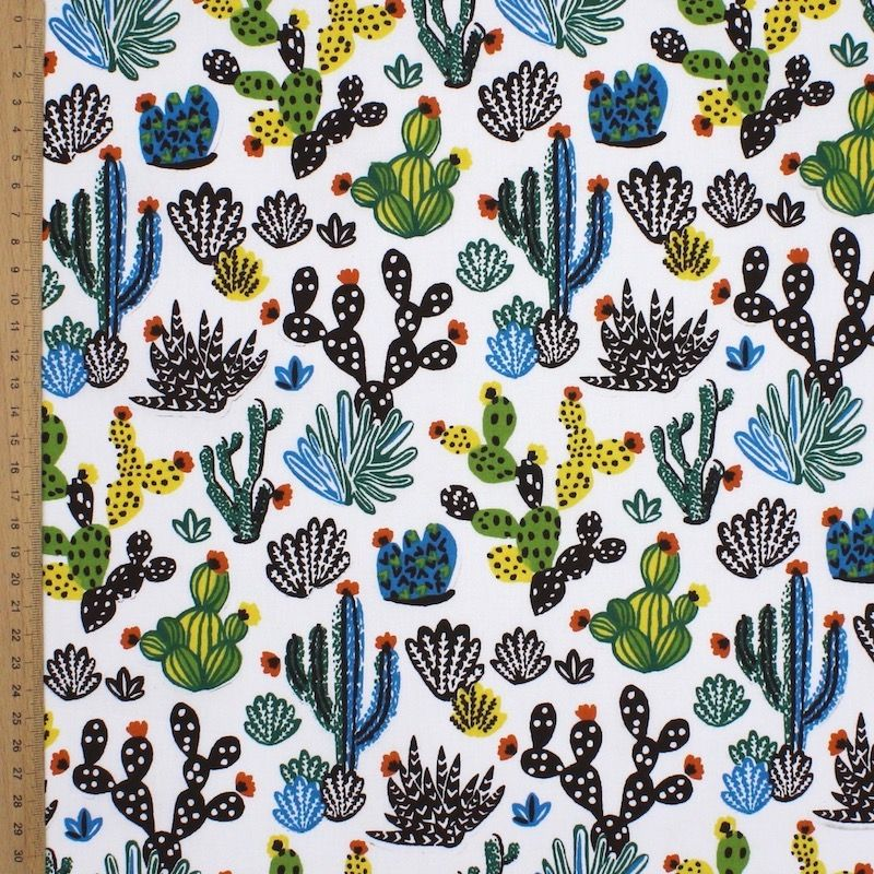 tissu en coton imprim cactus sur fond blanc. Black Bedroom Furniture Sets. Home Design Ideas