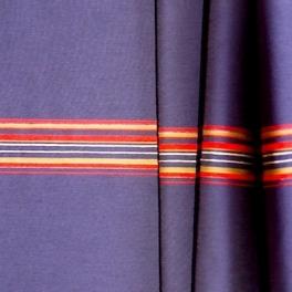 Blauwe polyamide stof met rode strepen