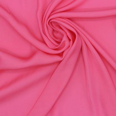 Tissu en satin léger rose