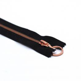 Closed bottom zipper