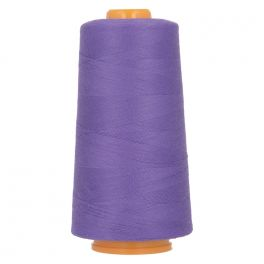 Bobine de fil à surfiler et à coudre violet