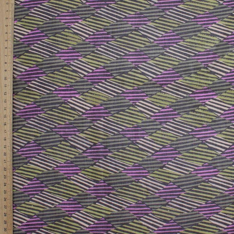 Bedrukt mousseline van zijde op bruin achtergrond