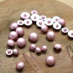 Fantasy resin button - old pink