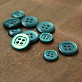 Resin button - viride green