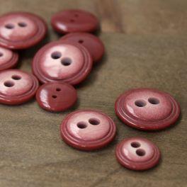 Bouton en résine rouge tomette