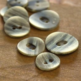 Marbled resin button