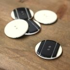 Resin button 28mm - black and white