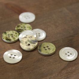 Round button - pearly white