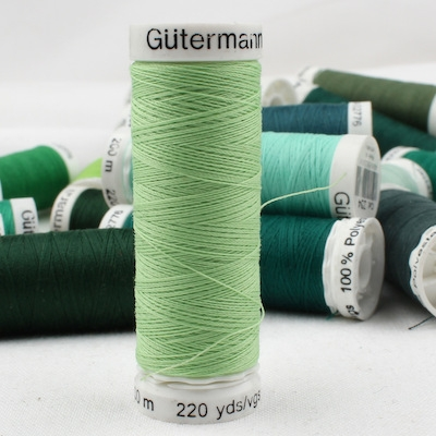 Groen naaigaren Gütermann 152