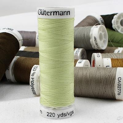 Green sewing thread Gütermann 292