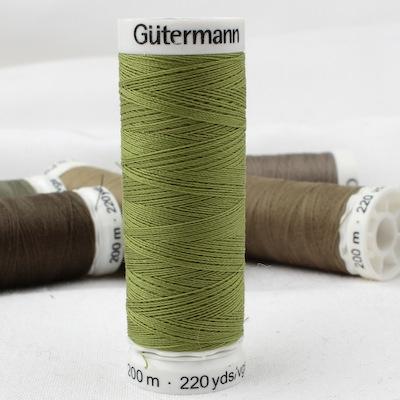 Green sewing thread Gütermann 582