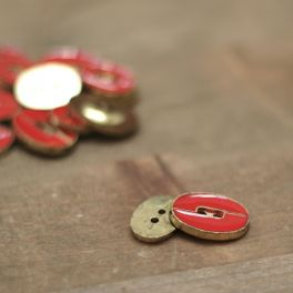Oval button - red and gold