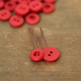 Round resin button - red
