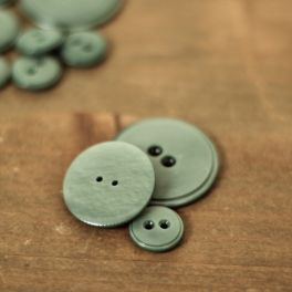 Resin button - kaki