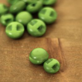 Resin button - apple green