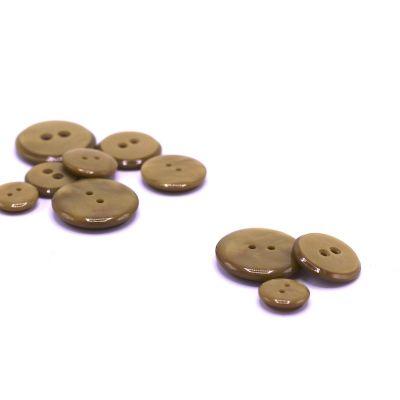 Resin button - light khaki