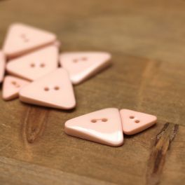 Triangle resin button - pink
