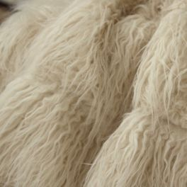 Faux fur with long fur - off white