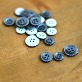 Fantasy resin button - woad blue
