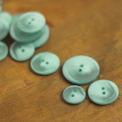 Resin button - marbled frost blue
