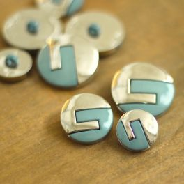 Button with silver metal aspect - frost blue