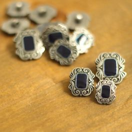 Button with silver metal aspect - dark blue