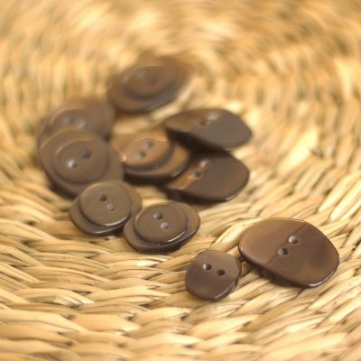 Resin button - taupe