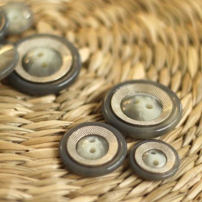 Button with metal aspect - grey