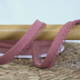 Biais de finition bois de rose à dentelle