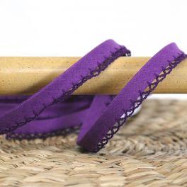 Finishing bias binding with lace - purple