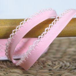 Finishing bias binding with lace - pink