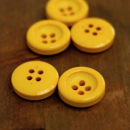 Resin button - chick yellow