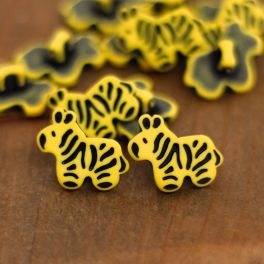 Fantasy resin button - yellow and black
