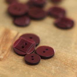 Round fantasy resin button - plum