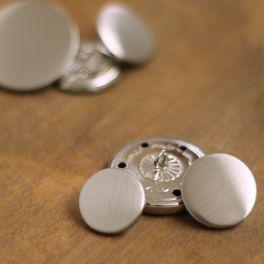 Boutons en métal argenté